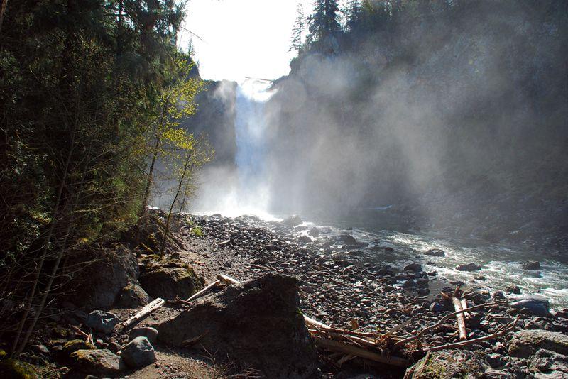 Snoqualmie falls mist