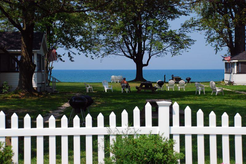Cottages picket fence geneva