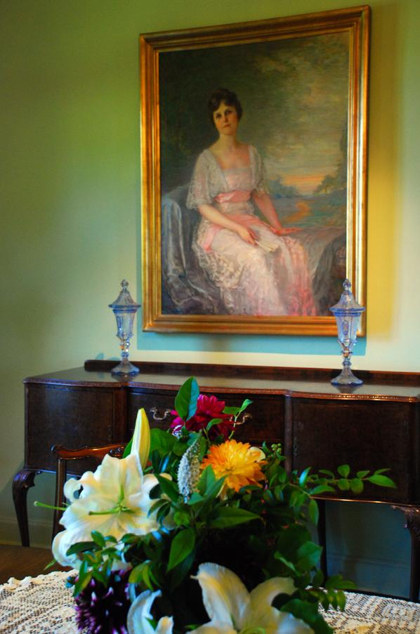Flowers and portrait bloedel