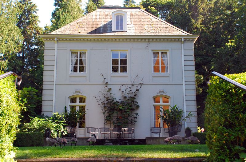 Bloedel house from side